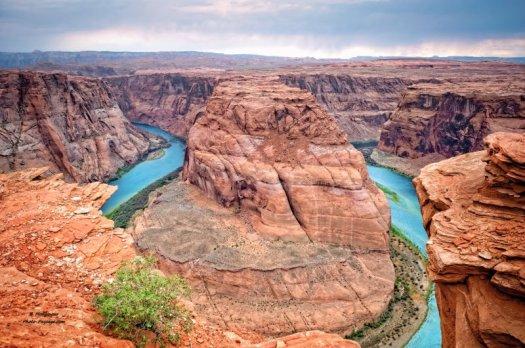 14 - Horseshoes bend. Également situé à proximité de Page dans l'Arizona, il s'agit d'un point de vue vertigineux à 300m à la verticale d'un méandre du fleuve Colorado. Il vaut mieux ne pas avoir le vertige ;)