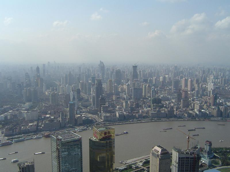 The smog over China (photo courtesy of www.photoeverywhere.co.uk)