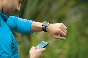 Fitbit Blaze Smart Fitness Watch, Black, Silver, Large (US Version)