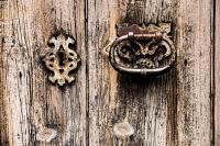 alte Holztuer 1 - PHOTOGALERIE WIESBADEN - im süden - fenster und türen