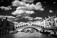 canale grande rialto 6<br> <br>v : e : n : e : z : i : a<br>limitierte edition<br>© PHOTOGALERIE WIESBADEN