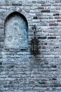 gemauertes Fenster (entsaettigt) - PHOTOGALERIE WIESBADEN - im süden - fenster und türen
