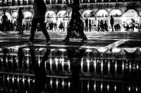 nachtspaziergang<br> <br>v : e : n : e : z : i : a<br>limitierte edition<br>© PHOTOGALERIE WIESBADEN