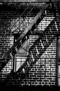 shadow on bricks (sw) (limitierte edition) - PHOTOGALERIE WIESBADEN - new york city - fascensation
