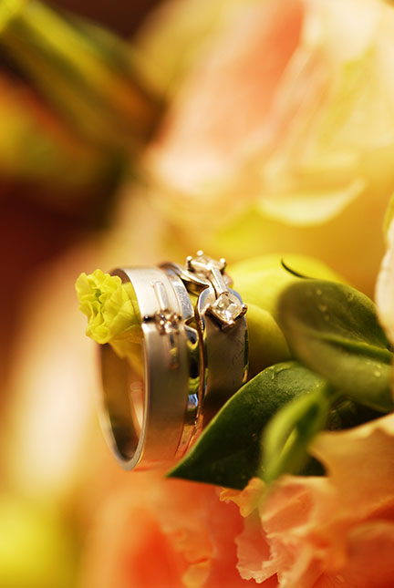 Wedding Rings with flowe