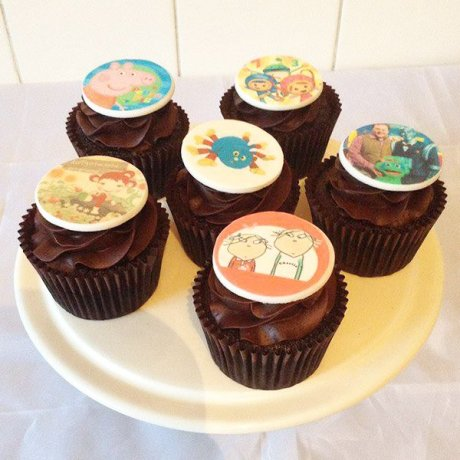 Children's characters chocolate cupcakes
