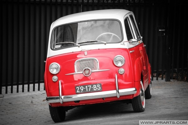 Red and white Fiat 600