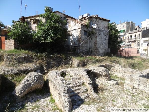 σπίτια κοντά στο αμφιθέατρο του Δυρραχίου (Αλβανία)