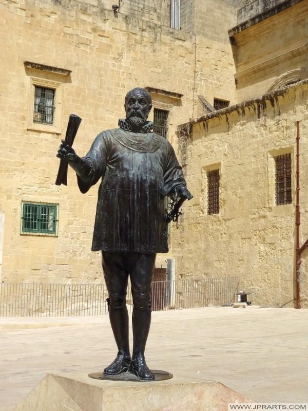 Statua del Gran Maestro Jean de la Valette (Valletta, Malta)