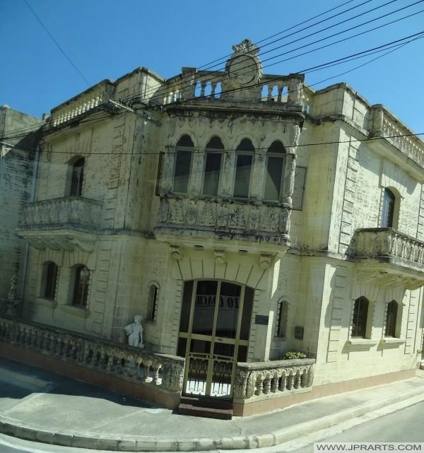 בניין יפה באי גוזו, מלטה