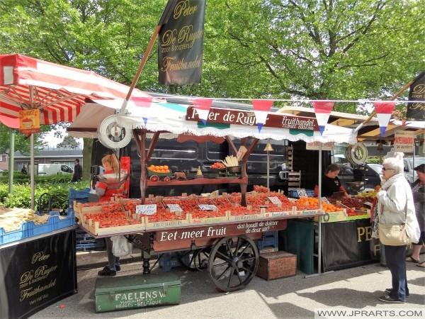 comercio de frutas Pedro de Ruyter en Baarle-Nassau, Países Bajos