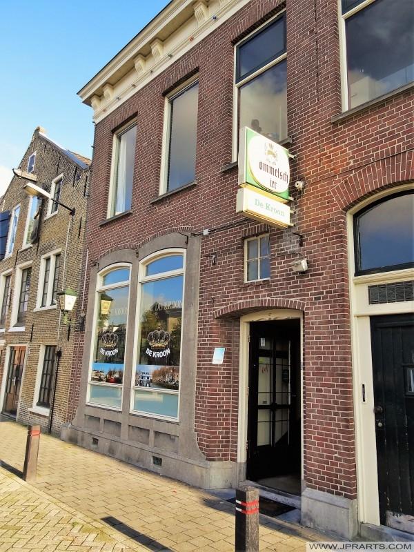 Café De Kroon in Maassluis, Nederland