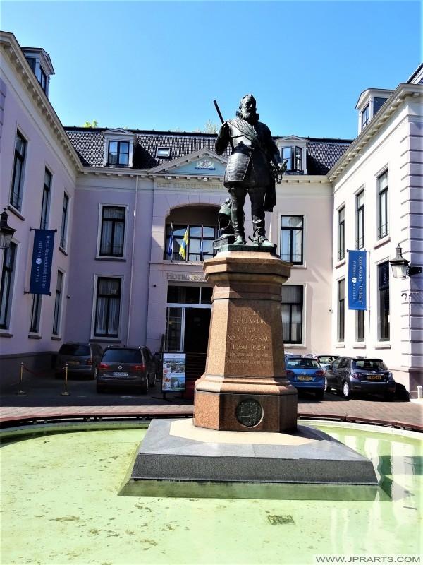 Standbeeld van Willem Lodewijk van Nassau-Dillenburg te Leeuwarden, Nederland