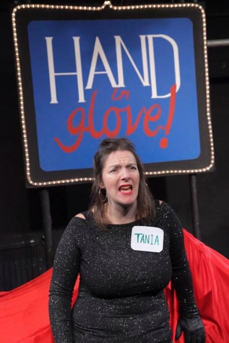 hand-in-glove-009