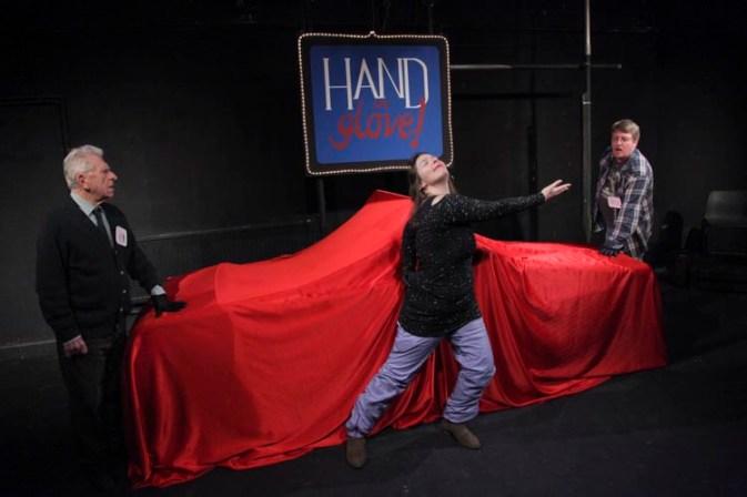 hand-in-glove-021