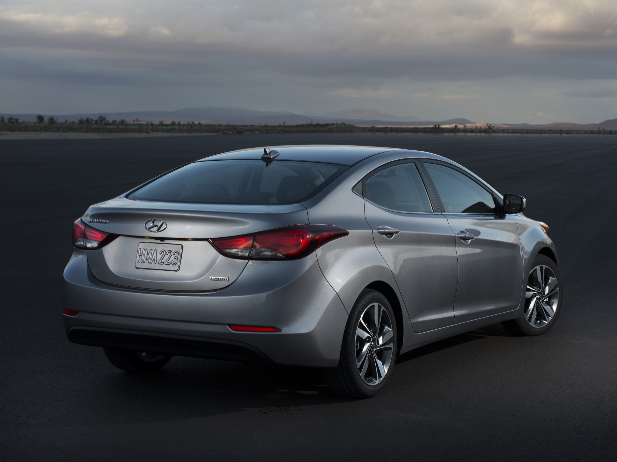 2014 Hyundai Elantra Limited USA