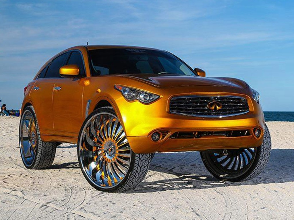 2015 Infiniti FX With 32 Inch Wheels