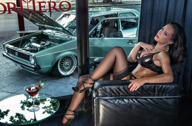 2016 Calendrier Miss Tuning Avril