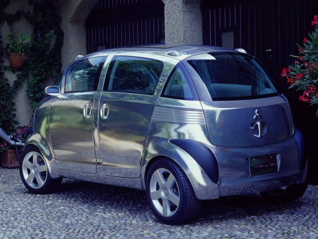 2003 Mitsubishi Sero