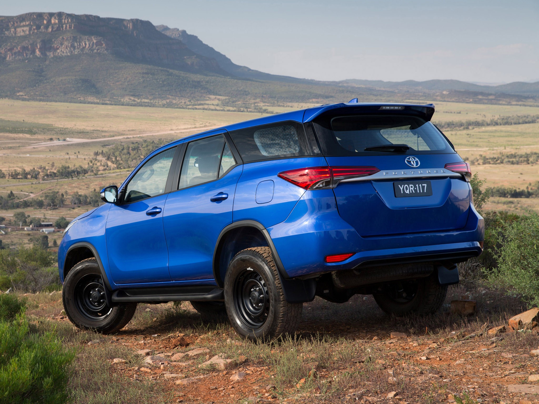 2015 Toyota Fortuner GX Australia