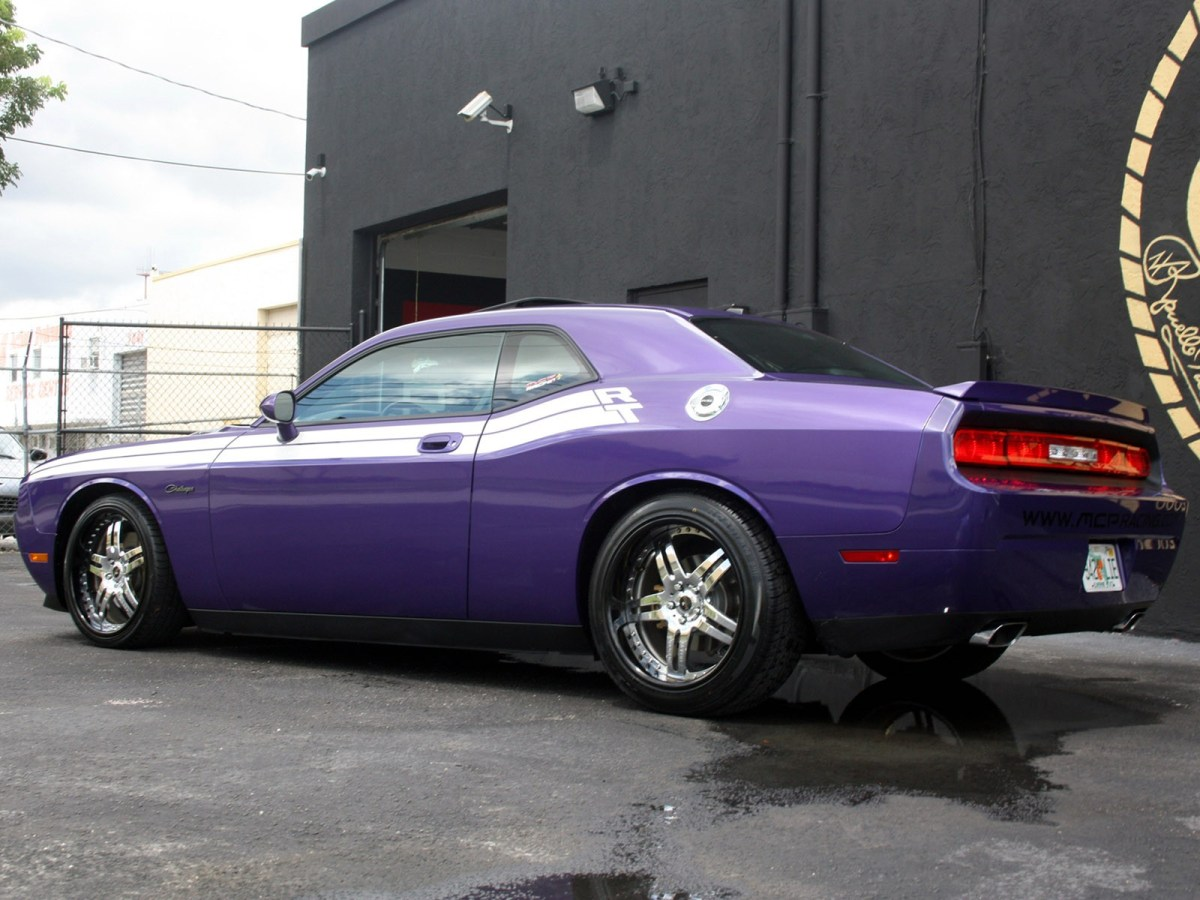 2009 MCP Racing - Dodge Challenger RT