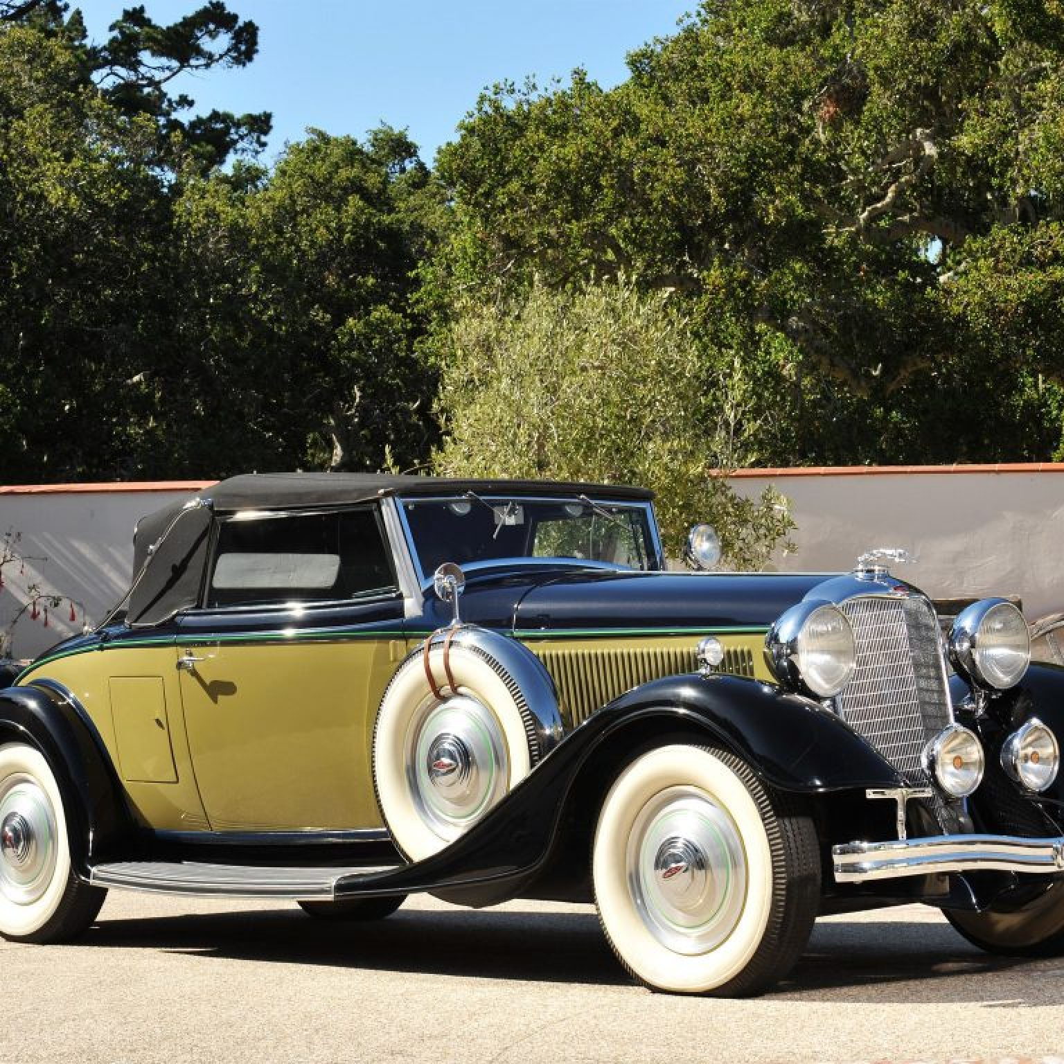 1933 Lincoln Model KA Convertible Roadster by Murray