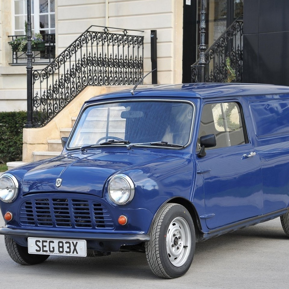 1982 Mini Van