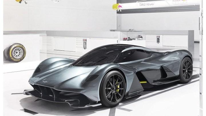 Aston Martin AM-RB 001 2018: Hypercar révolutionnaire, info et photos.