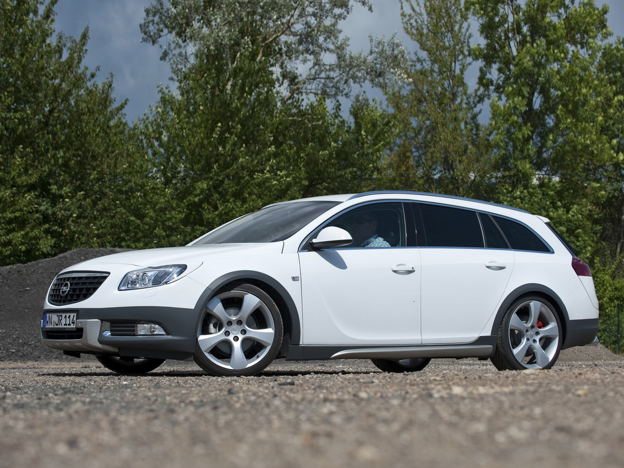 2012 Irmscher Opel Insignia Cross4