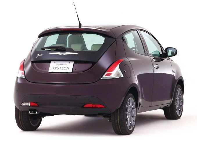 2013 Chrysler Ypsilon Purple