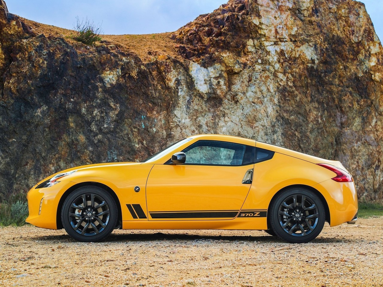 2018 Nissan 370Z Coupe Heritage Edition
