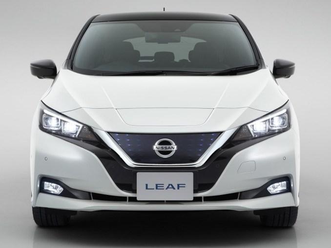 nissan leaf 2018 une voiture avec la technologie 100. Black Bedroom Furniture Sets. Home Design Ideas