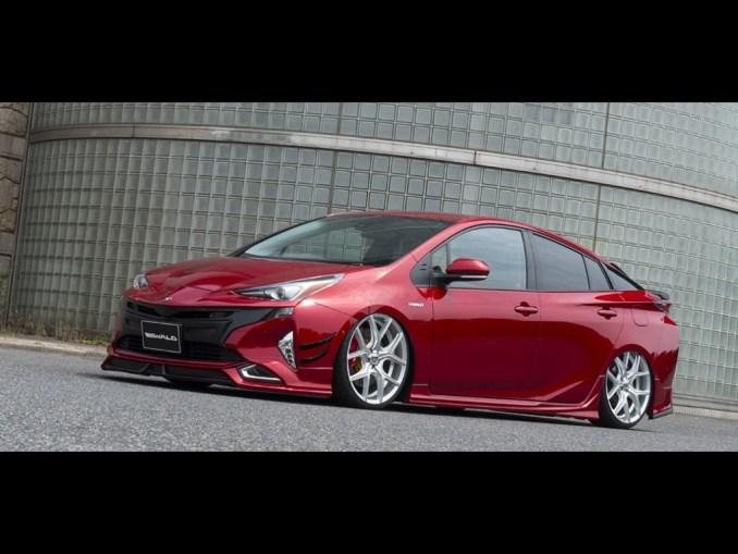 2016 Wald Toyota Prius Sports Line