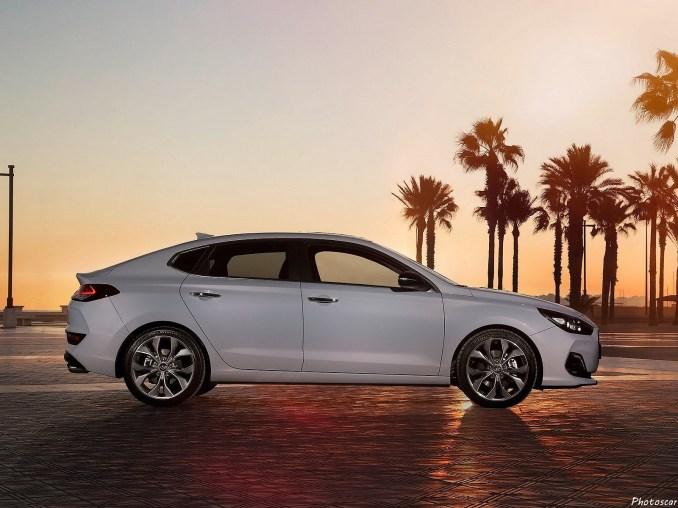 Hyundai i30 Fastback 2018 [06]