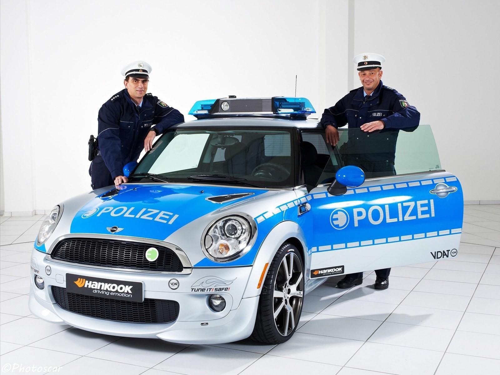 MINI E Police 2010 par AC-Schnitzer