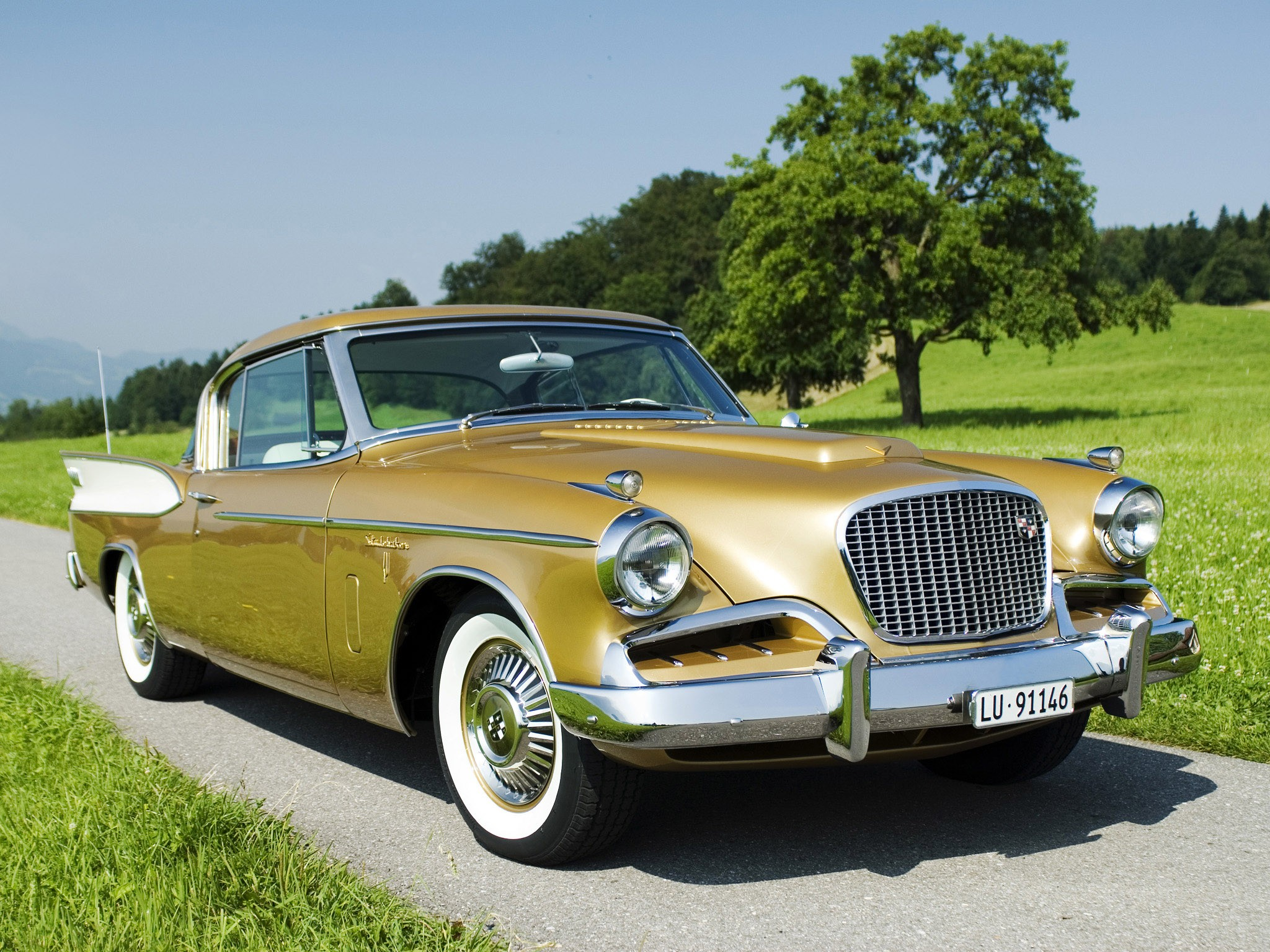 Studebaker Golden Hawk 1957