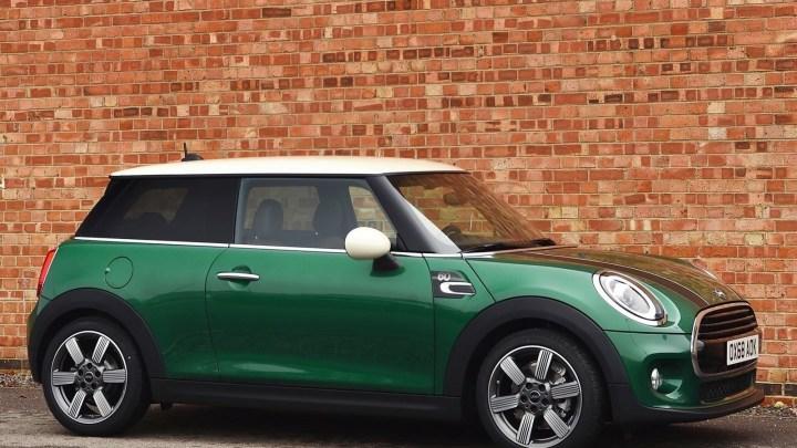 Mini Cooper 60 Years Edition 2019 limité à 500 unités.