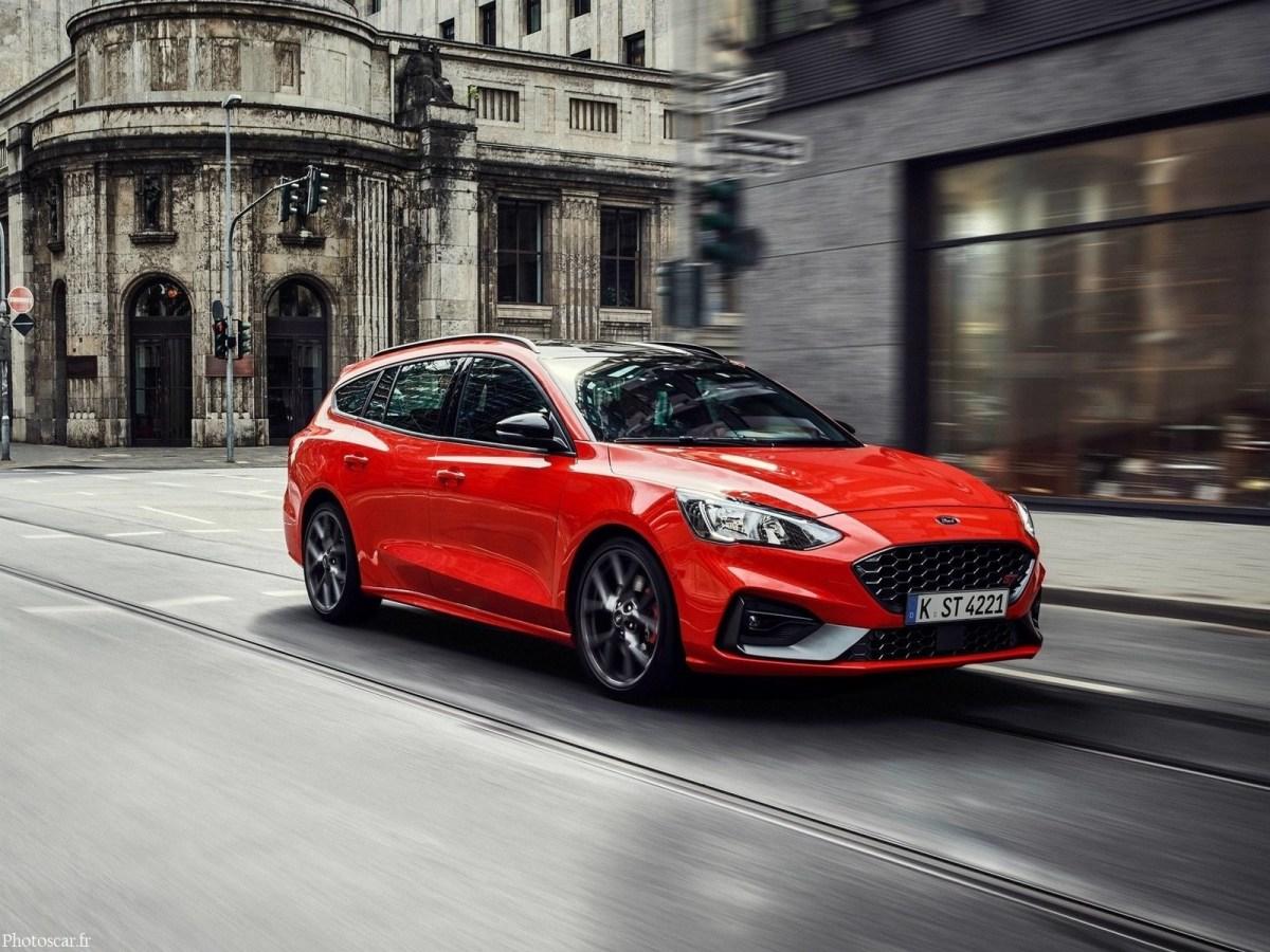 Ford Focus ST Wagon 2020 - Avantages et espace pour toute la famille.