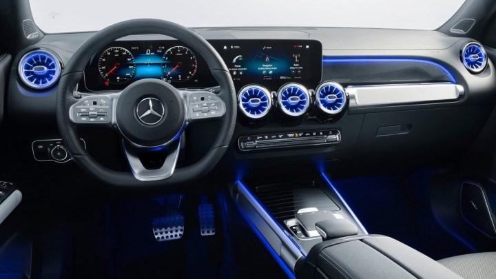 Mercedes GLB 2020 offre de nombreuses technologies et sept personnes.