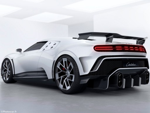 Bugatti Centodieci 2020