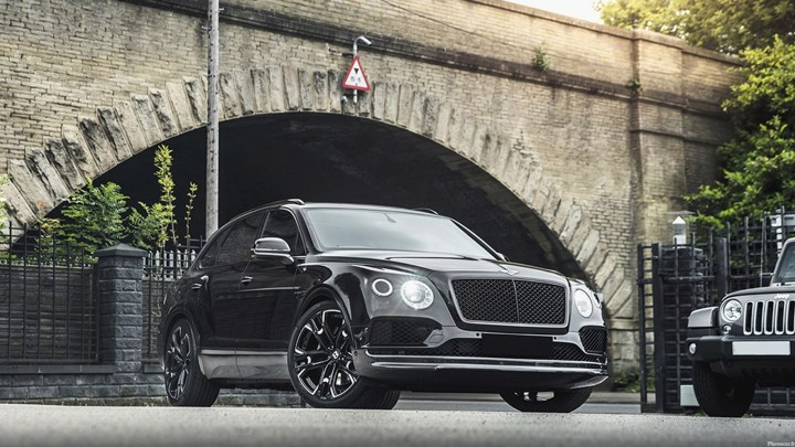 Kahn Design – Bentley Bentayga Centenary Edition Black Pack 2019