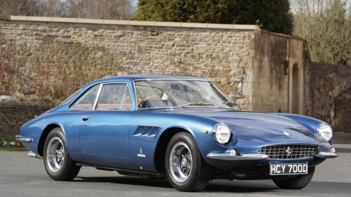 Ferrari 500 Superfast construit par Ferrari de 1964 a 1966 en deux séries