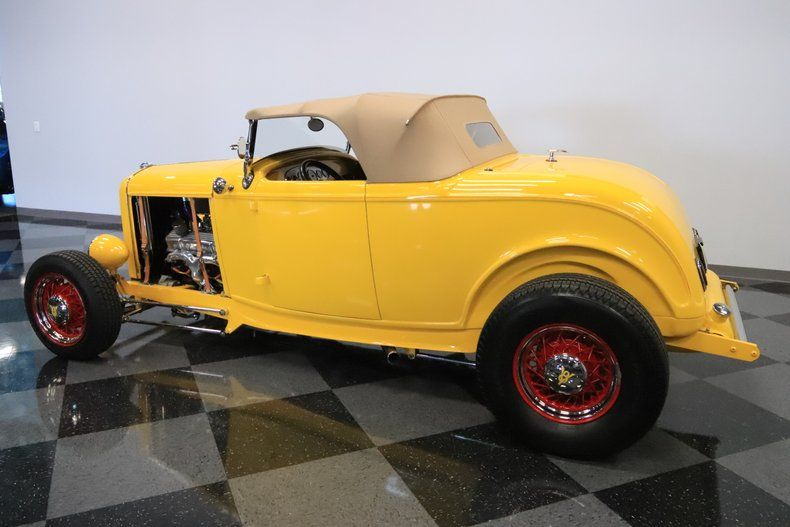 Ford Highboy Roadster de 1932 a un look élégant et un ...