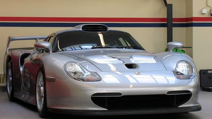 Porsche 911 GT1 Strassenversion conçu pour la catégorie FIA GT1
