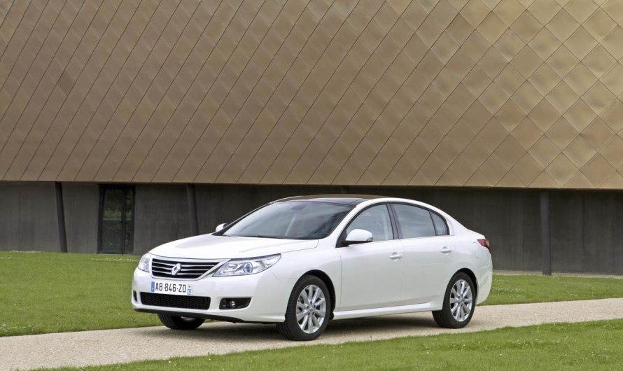 La Renault Latitude vient couronner le haut de la gamme Renault