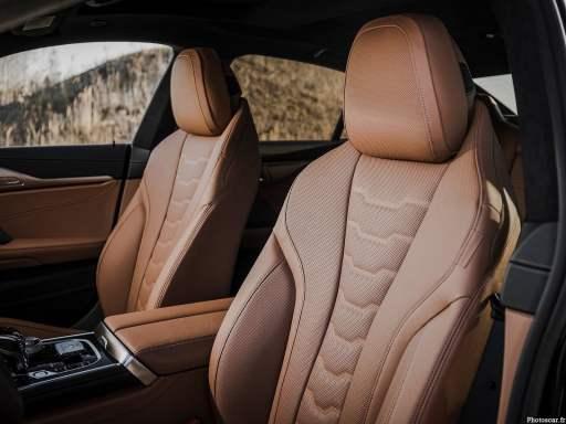 Intérieur de la BMW Alpina B8 Gran Coupé 2022