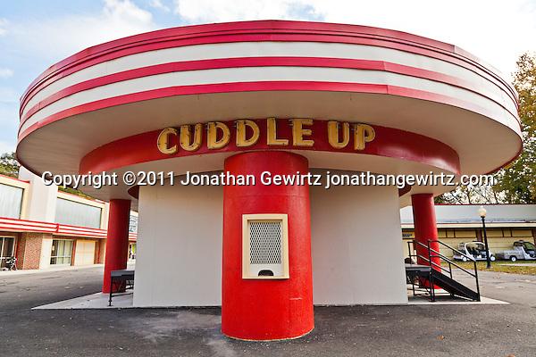 The Cuddle Up amusement park ride at Glen Echo Park, Maryland. (Copyright 2011 Jonathan Gewirtz jonathan@gewirtz.net)
