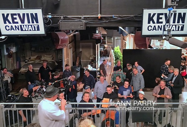 Bethpage, New York, USA. August 19, 2016. Actor KEVIN JAMES (middle of low railing) the star of the CBS new comedy series
