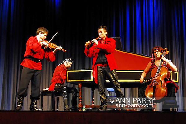 Merrick, New York, USA. February 17, 2008. Red Priest, baroque music group with recorder player PIERS ADAMS, cellist ANGELA EAST, harpsichord player HOWARD BEACH, and violinist DAVID GREENBERG performs in concert presented by Merrick Bellmore Community Concert Association MBCCA, at Calhoun High School. (Ann Parry/Ann Parry, ann-parry.com)