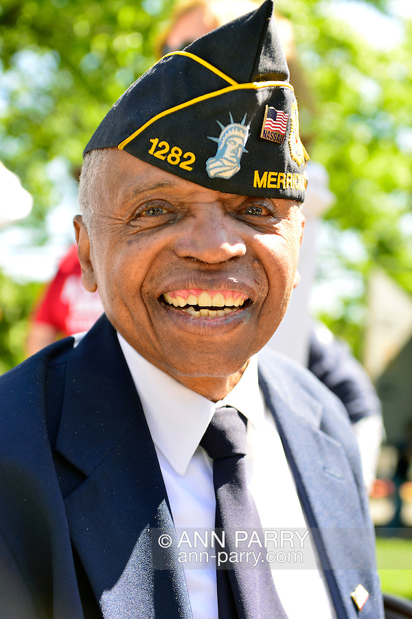 Merrick, New York, USA. May 27, 2013. Veteran Booker T. Gibson at Annual Memorial Day Parade 2013, hosted by American Legion Merrick Post No. 1282, with ceremony at Merrick Veteran Memorial Park. (Ann Parry/Ann Parry, ann-parry.com)